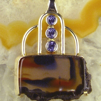 Spinel Agate Pendant